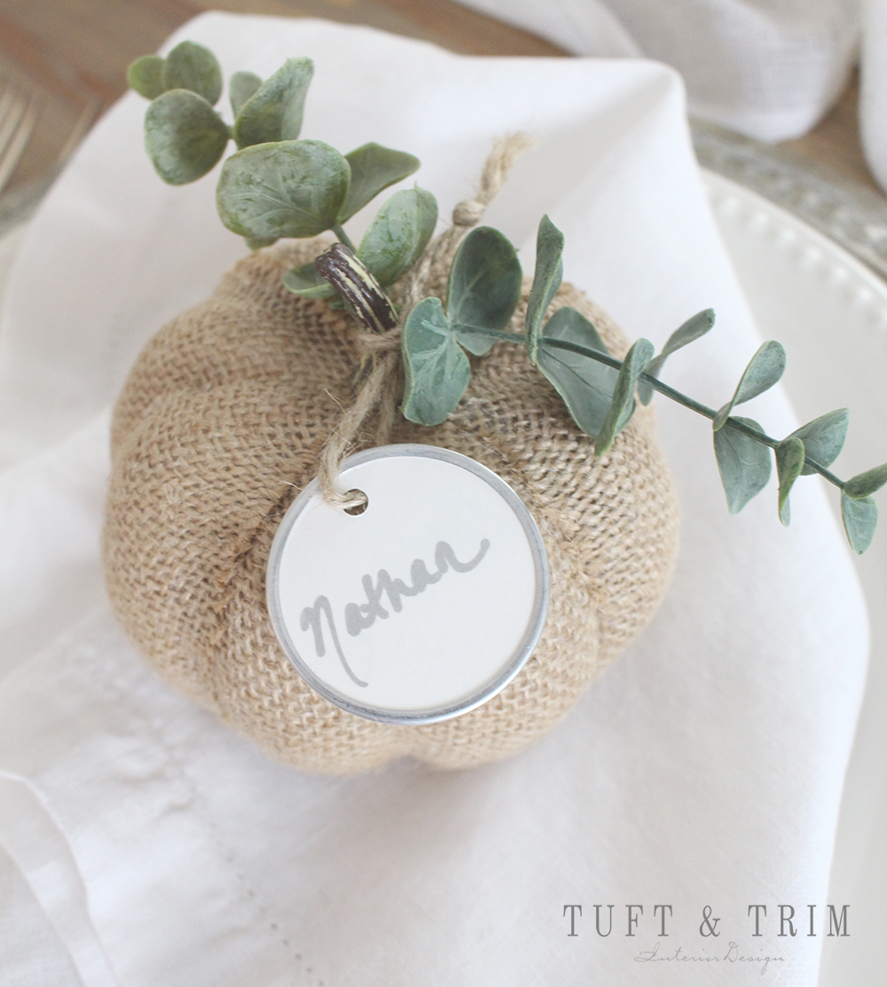 DIY Pumpkin Place Card Holders