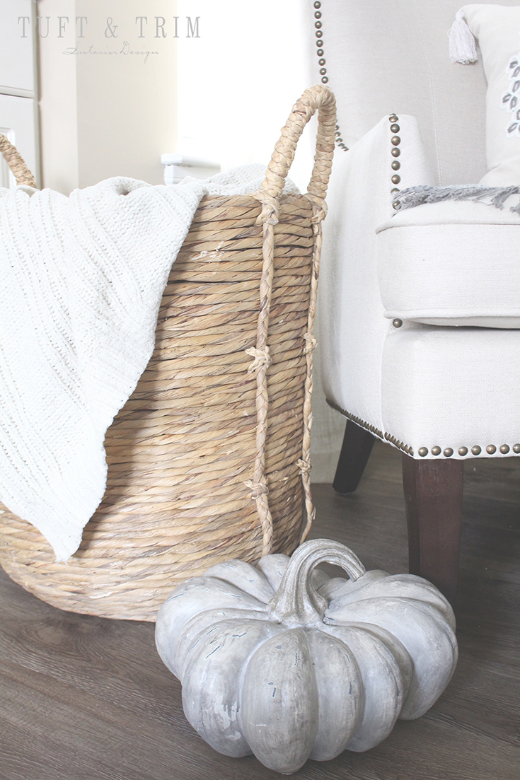 5 Tips for creating an elegant fall home. layer with blankets