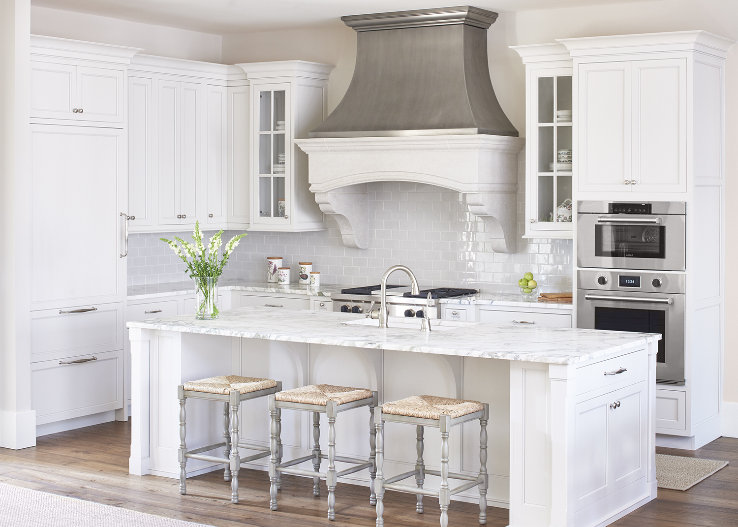 10 Fabulous Gray And White Kitchens Tuft Amp Trim