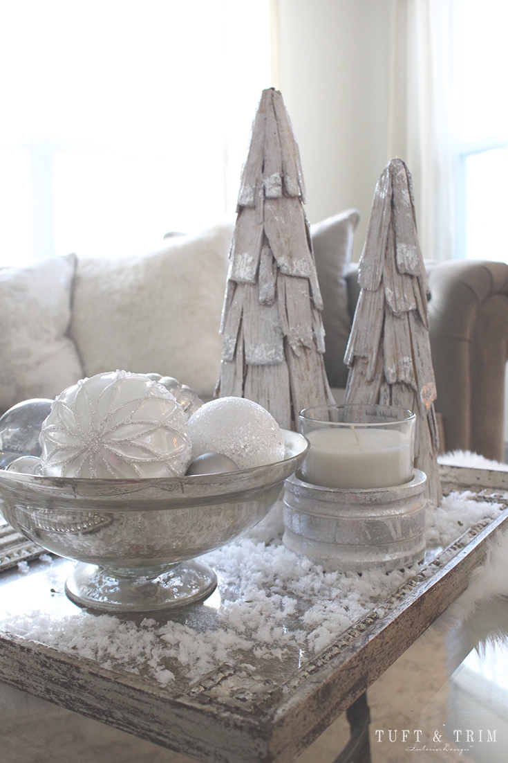 Holiday Home Tour and Decorating Tips with Tuft & Trim: Christmas Decorations