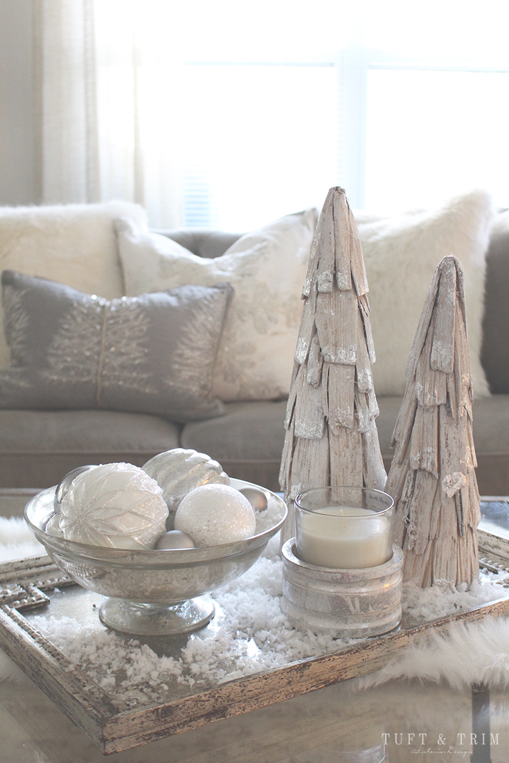 Holiday Home Tour and Decorating Tips with Tuft & Trim: Holiday Pillows